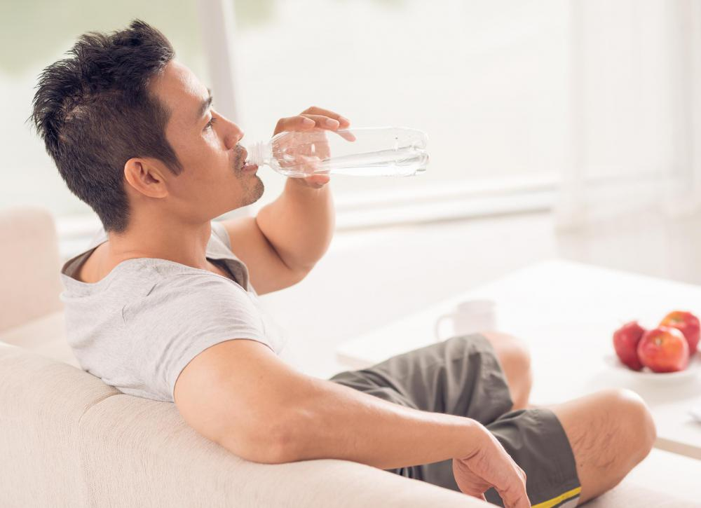 Eating high amounts of protein often makes people extremely thirsty, and can even lead to dehydration.
